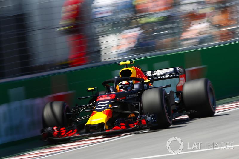 3: Макс Ферстаппен, Red Bull Racing RB14 – 1:10.937