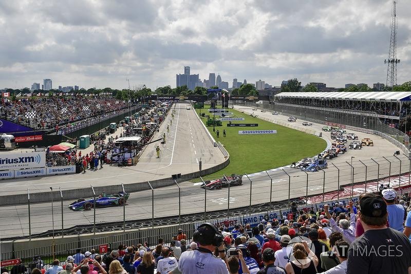 Alexander Rossi, Andretti Autosport Honda, Robert Wickens, Schmidt Peterson Motorsports Honda, start