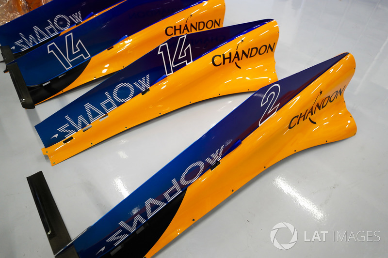 Engine covers for the cars of Fernando Alonso, McLaren MCL33, and Stoffel Vandoorne, McLaren MCL33