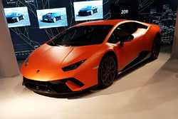 Orange1 GRT teampresentatie in Lamborghini Museum