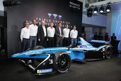 Sebastien Buemi and Nicolas Prost, Renault eDAMS with Alain Prost, Jean-Paul Driot, Cyril Abiteboul and Jérome Stoll, Renault