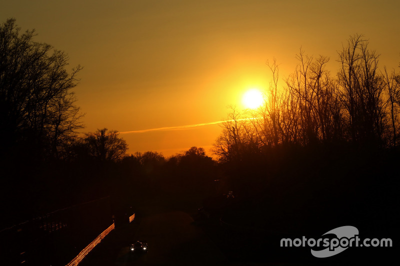 Action zum Sonnenuntergang