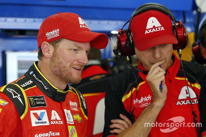 Dale Earnhardt Jr., Hendrick Motorsportsm Chevrolet, mit Crewchief Greg Ives