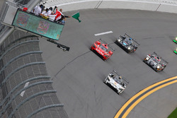 Start: #5 Action Express Racing Cadillac DPi: Joao Barbosa, Christian Fittipaldi, Filipe Albuquerque