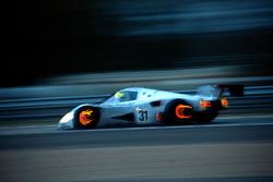 #31 Team Sauber Mercedes, Mercedes-Benz C11: Karl Wendlinger, Michael Schumacher, Fritz Kreutzpointner