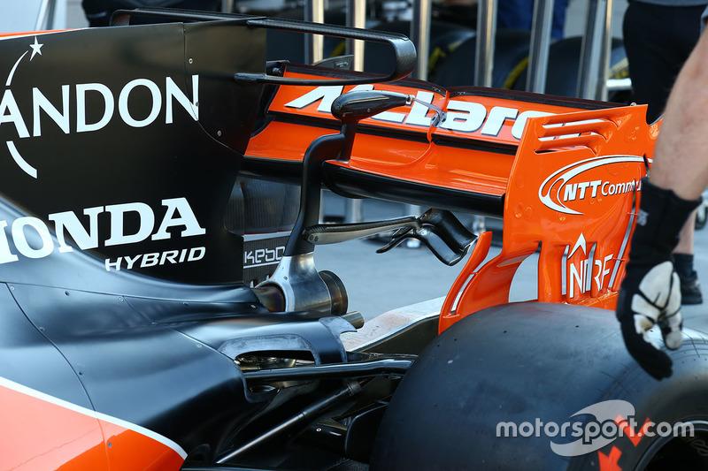McLaren MCL32 detalle de trasera de la carrocería