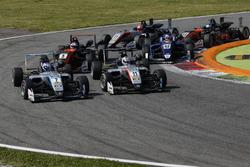 Ralf Aron, Hitech Grand Prix, Dallara F317 - Mercedes-Benz, Tadasuke Makino, Hitech Grand Prix, Dallara F317 - Mercedes-Benz
