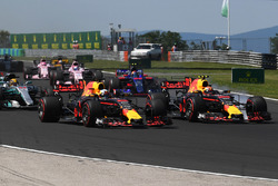 Daniel Ricciardo, Red Bull Racing RB13 Max Verstappen, Red Bull Racing RB13