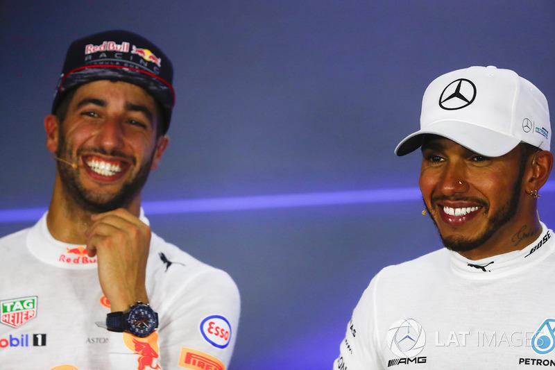 Lewis Hamilton, Mercedes AMG F1,Daniel Ricciardo, Red Bull Racing