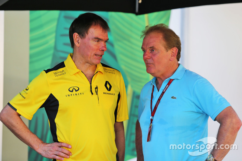 (L to R): Alan Permane, Renault Sport F1 Team Trackside Operations Director with Jonathan Palmer