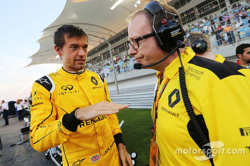 Jolyon Palmer, Renault Sport F1 Team on the grid with Mark Slade, Renault Sport F1 Team Race Enginee