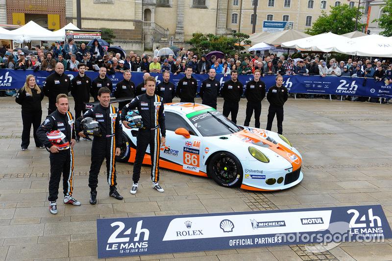 #86Gulf Racing Porsche 911 RSR: Майкл Вейнрайт, Адам Керролл, Бен Баркер