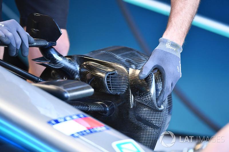 Mercedes AMG F1 W09 detalle del conducto del freno delantero