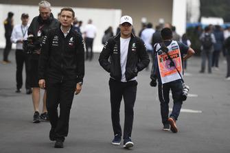 Valtteri Bottas, Mercedes AMG F1 e Antti Vierula, preparatore