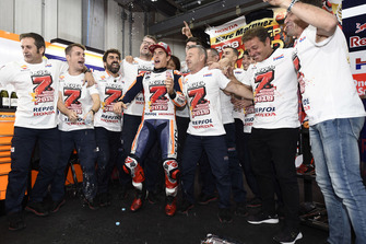Champion Marc Marquez, Repsol Honda Team celebrates with his team