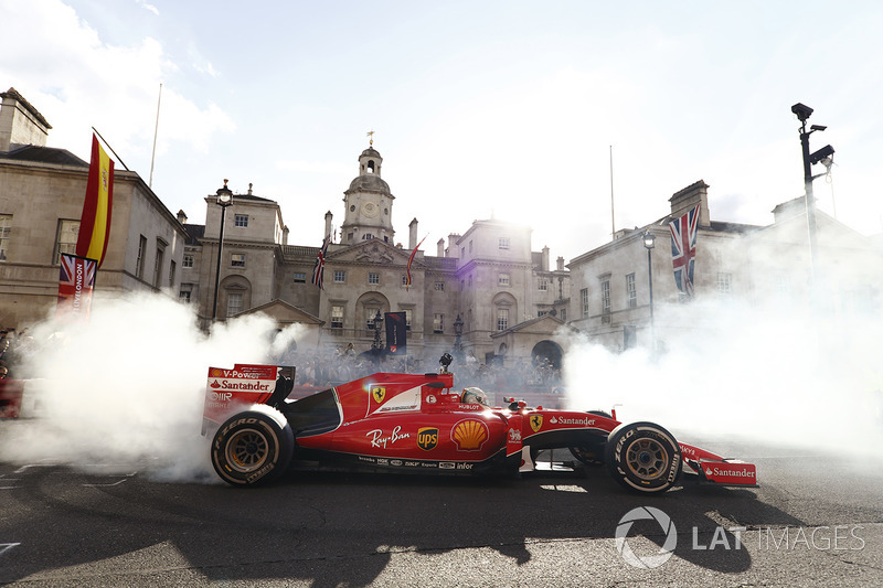 Sebastian Vettel, Ferrari SF70H, does some donuts