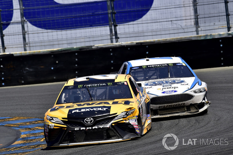 Matt Kenseth, Joe Gibbs Racing Toyota, Brad Keselowski, Team Penske Ford