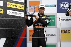 Rookie-Podium: 2. Joey Mawson, Van Amersfoort Racing, Dallara F317 - Mercedes-Benz