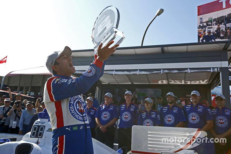 Polesitter: Helio Castroneves, Team Penske, Chevrolet
