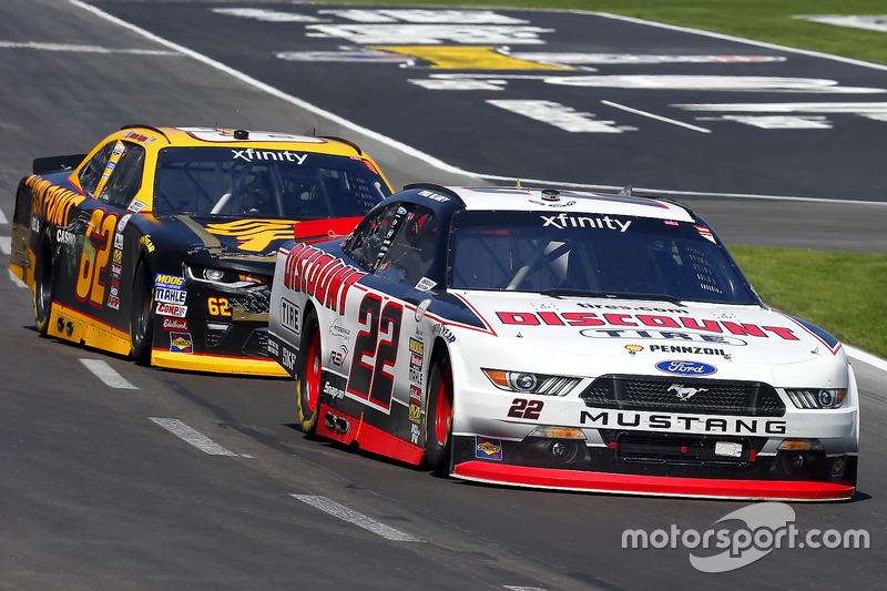 Ryan Blaney, Team Penske, Ford; Brendan Gaughan, Richard Childress Racing, Chevrolet