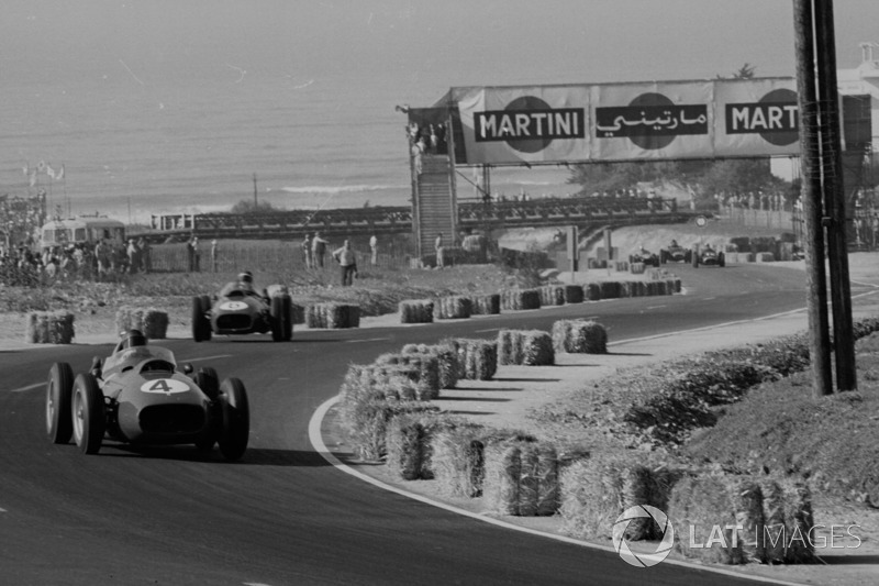 Hill heads Hawthorn in Casablanca, but the rookie would cede second to his teammate, allowing him to score enough points to become Britain's first F1 World Champion.