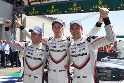 Overall winners #2 Porsche Team Porsche 919 Hybrid: Timo Bernhard, Earl Bamber, Brendon Hartley