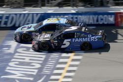 Kasey Kahne, Hendrick Motorsports Chevrolet Ricky Stenhouse Jr., Roush Fenway Racing Ford
