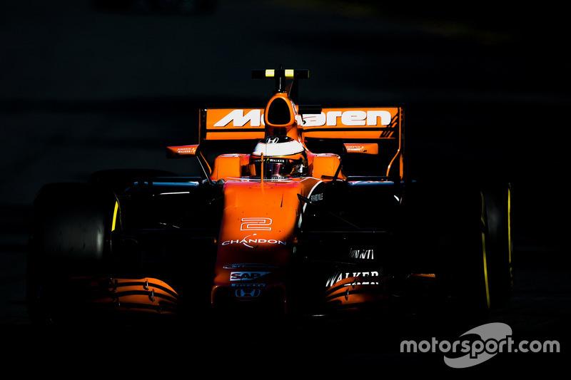 13e : Stoffel Vandoorne (McLaren-Honda)