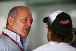 Ron Dennis, Presidente Ejecutivo de McLaren a Fernando Alonso, McLaren