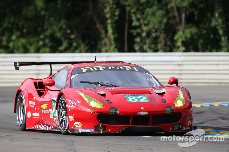 34: Ferrari 488 GTE команды Risi Competizione (№82): Джанкарло Физикелла, Тони Виландер, Маттео Малучелли