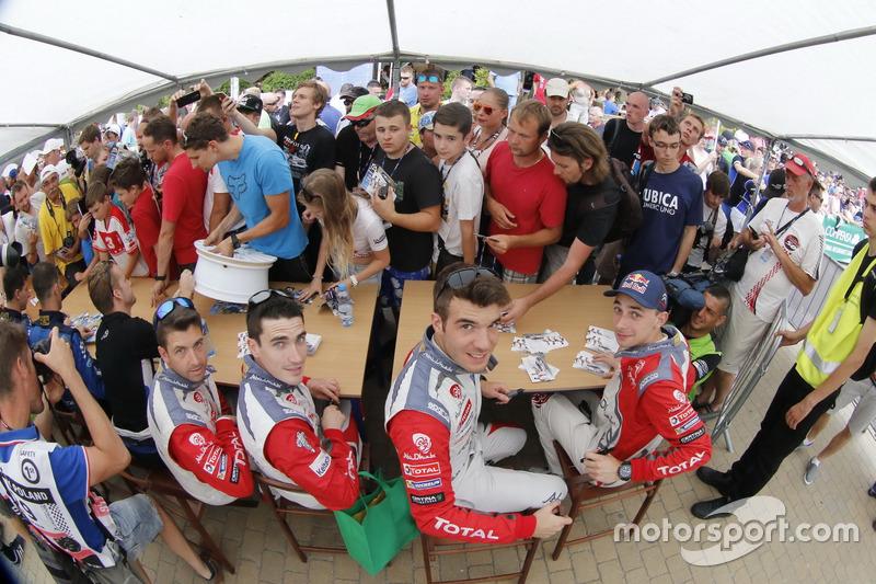 Craig Breen, Scott Martin, Citroën DS3 WRC, Abu Dhabi Total World Rally Team ve Stéphane Lefebvre, Gabin Moreau, Abu Dhabi Total World Rally Team
