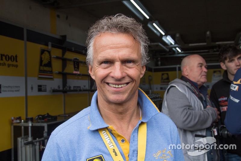 Бывшие пилоты Формулы 1: Ян Ламмерс