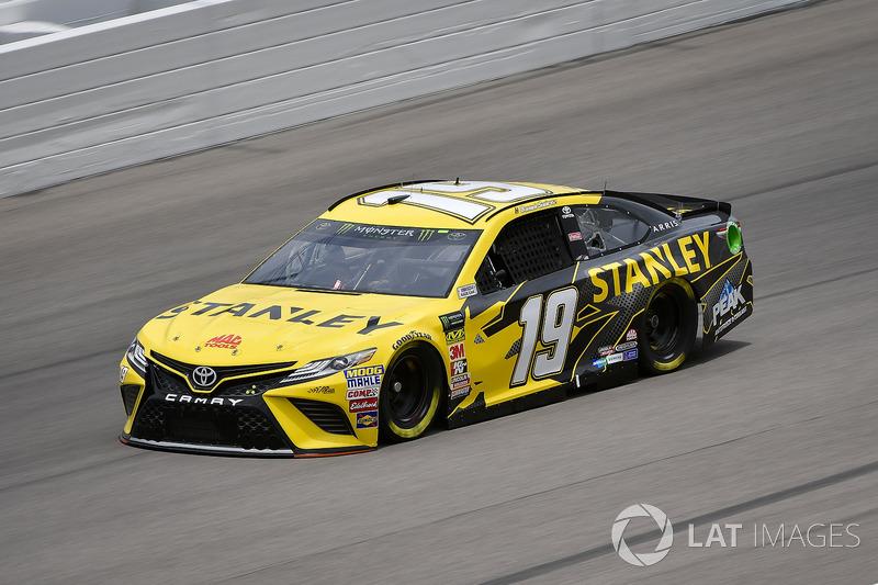 Daniel Suárez, Joe Gibbs Racing, Toyota Camry STANLEY