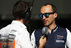 Robert Kubica, Williams Martini Racing, habla con los medios