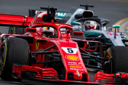 Ganador de la carrera Sebastian Vettel, Ferrari SF71H celebra