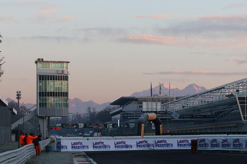 Monza alle prime luci del mattino