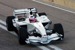 Rubens Barrichello, hace la primera vuelta en el nuevo Honda RA108