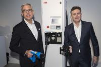 Alejandro Agag, CEO de Fórmula E y Ulrich Spiesshofer, CEO de ABB