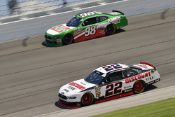 Paul Menard, Team Penske, Ford Mustang Discount Tire, Kevin Harvick, Biagi-DenBeste Racing, Ford Mustang Hunt Brothers Pizza
