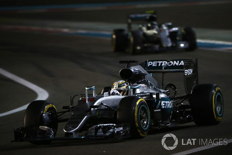 Lewis Hamilton y Nico Rosberg, Mercedes F1 W07 (2016)