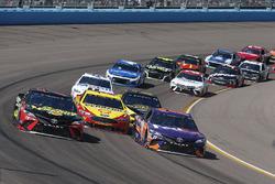 Denny Hamlin, Joe Gibbs Racing, Toyota Camry FedEx Freight, Martin Truex Jr., Furniture Row Racing,