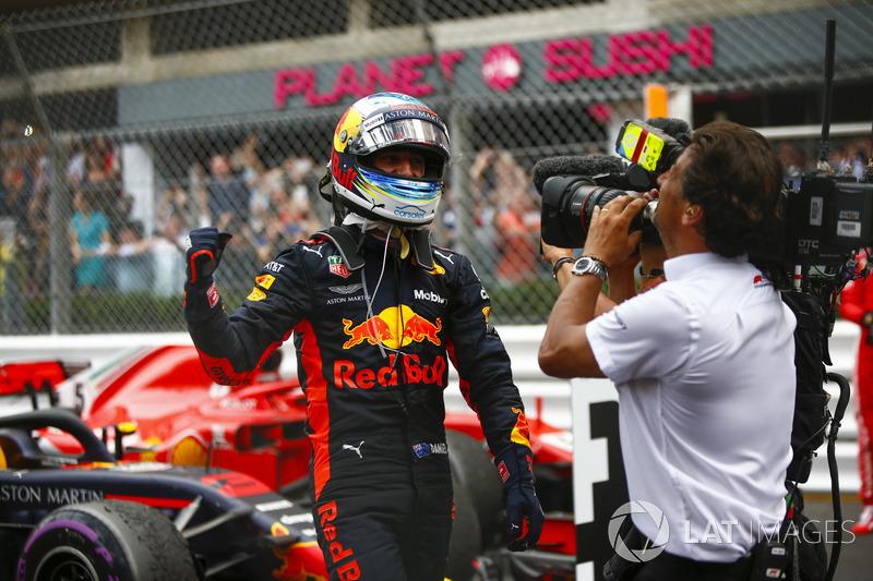 Daniel Ricciardo, Red Bull Racing, festeggia la vittoria