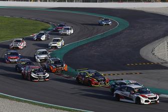 Jens Reno Møller, Reno Racing, Honda Civic Type R TCR, Oliver Taylor, Pyro Motorsport Honda Civic Type R, Viktor Davidovski, PSS Racing Team Honda Civic Type R TCR