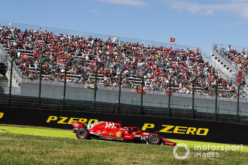 Sebastian Vettel também teve seu confronto com Verstappen, que o fez cair para a última posição. Mas ele se recuperou a tempo de terminar em sexto lugar.
