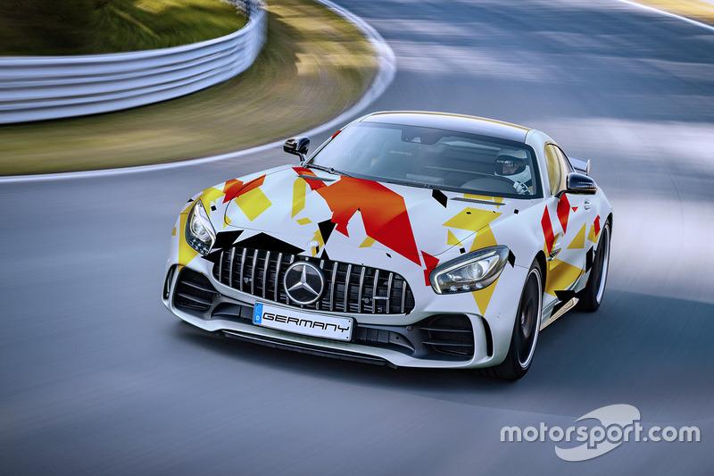 Німеччина: Mercedes AMG GT R