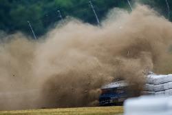 #34 Alara Racing Mazda MX-5: Christian Szymczak, Bob Stretch in trouble