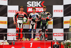 Подіум: переможец гонки Нікі Хейден, Honda WSBK Team, друге місце Давіде Джуліано, Ducati Team, третє місце Джонатан Рей, Kawasaki Racing