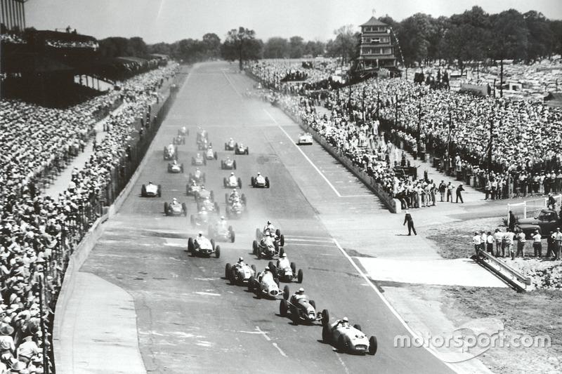 1955 und die vollen Tribünen