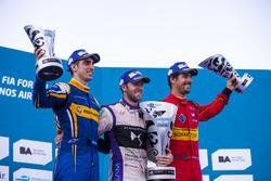 Подиум: победитель - Сэм Берд, DS Virgin Racing Formula E Team; второе место - Себастьен Буэми, Rena