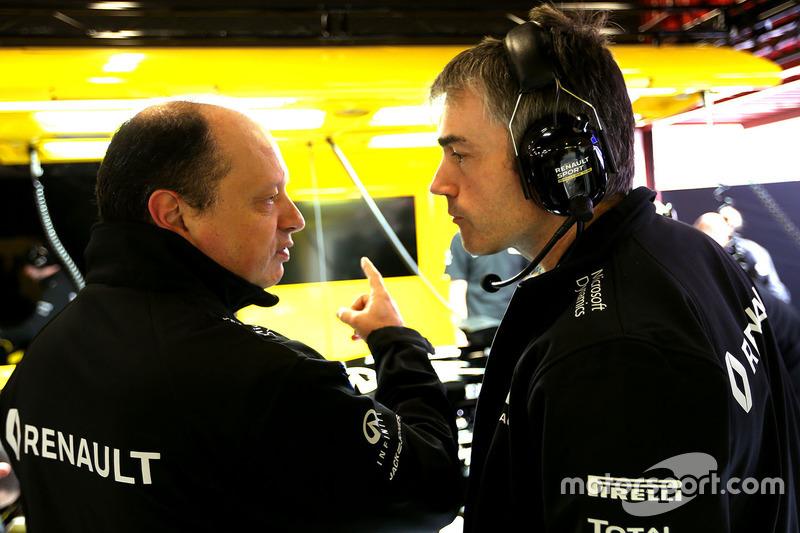 Nick Chester, Renault Sport F1 Team Chassis Techniischer Direktor und Frederic Vasseur, Renault Sport F1 Team Renndirektor